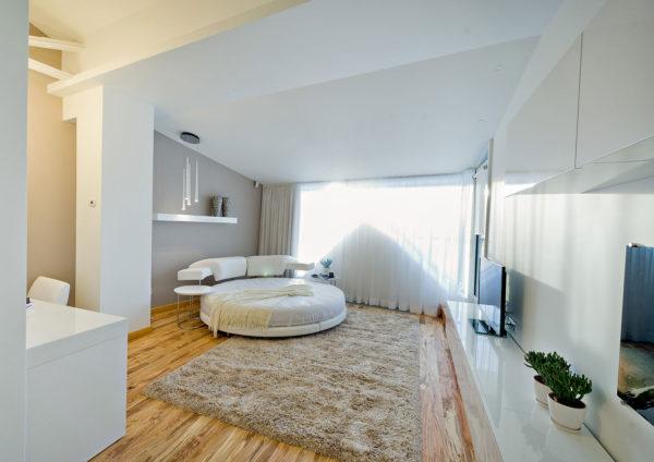 оригинальная красивая кровать в спальню