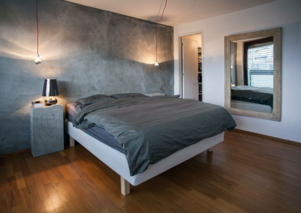 комфортная спальня в стиле лофт