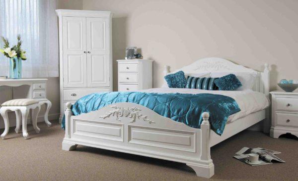 красивый дизайн кровати в спальне