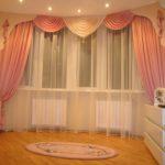 современные шторы в интерьере спальни