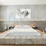 светлая кровать в интерьере спальне