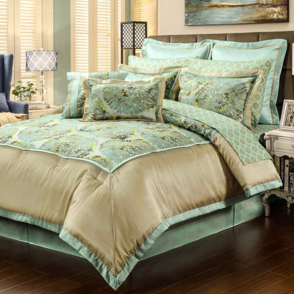 оформление покрывала на кровать в спальню