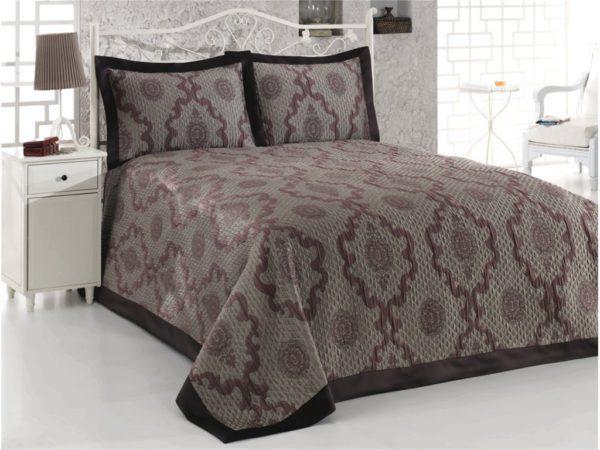 красивый необычный дизайн покрывала на кровать в спальню