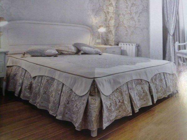 красивый дизайн покрывала на кровать в спальню