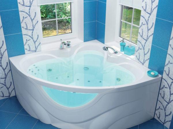 угловая ванна в квартиру