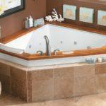 ванная обделанная плиткой