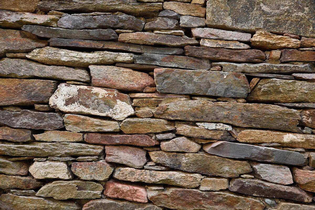 Кладка природного камня фото