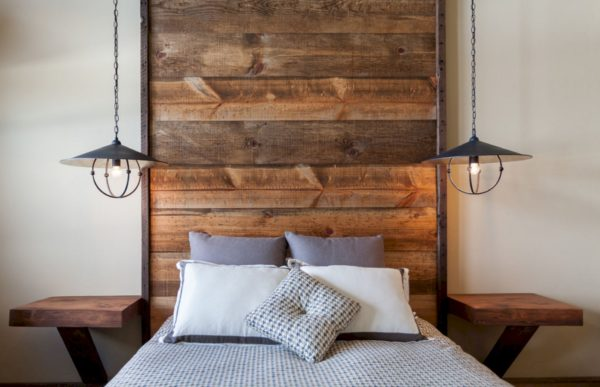 белая спальня в стиле лофт