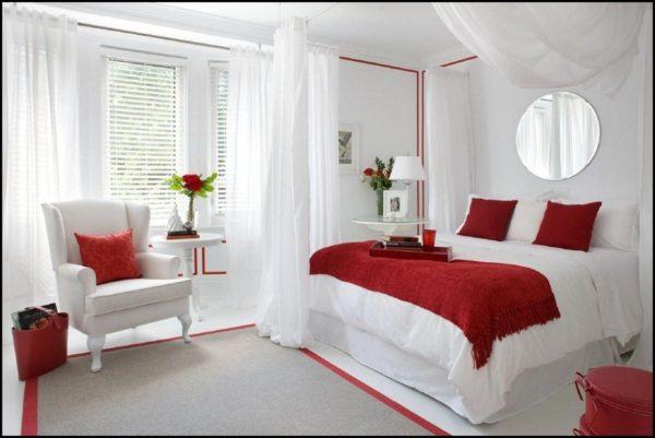 фото белой спальни с красным декором