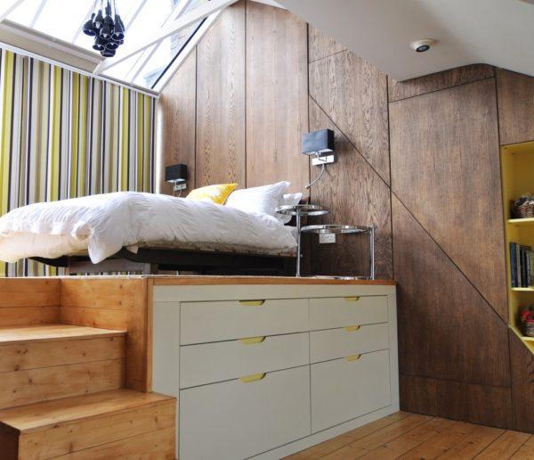 расположение мебели в небольшой спальне