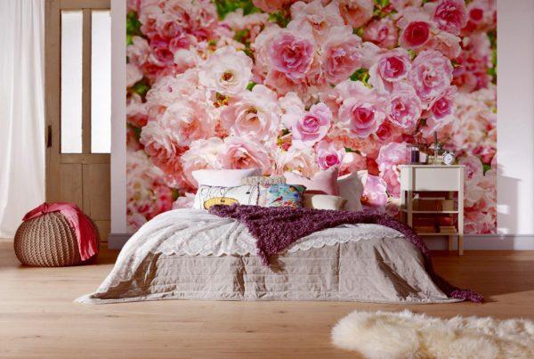 изображение роз на обоях в спальне