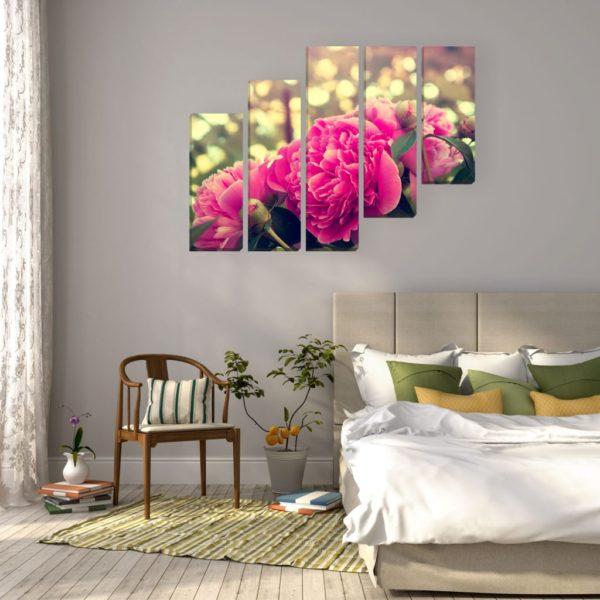 современный красивый дизайн картины в спальне