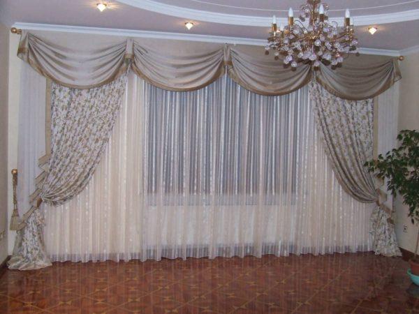 классические занавески в спальню