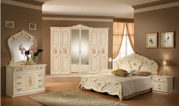 красивая классическая спальня