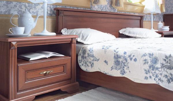 прикроватная тумба в дизайне светлой спальни