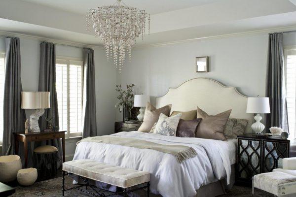 крупногабаритные люстры в спальню
