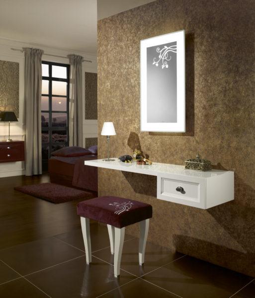 красивый дизайн туалетного столика в спальне