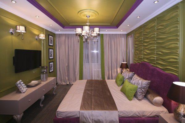 небольшая спальня в мягких тонах
