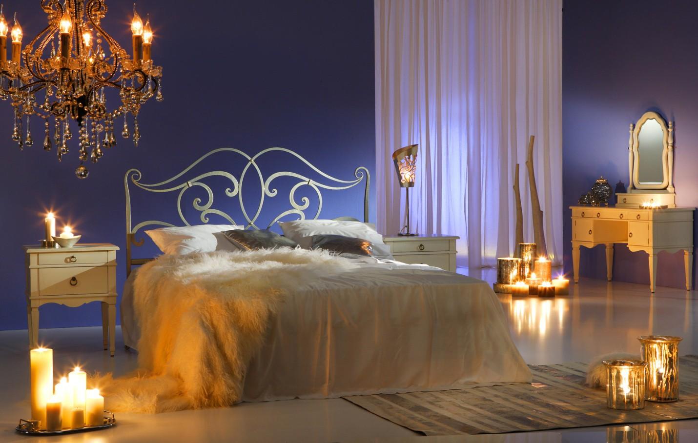 Нежная, тонкая романтичная спальня для молодой пары