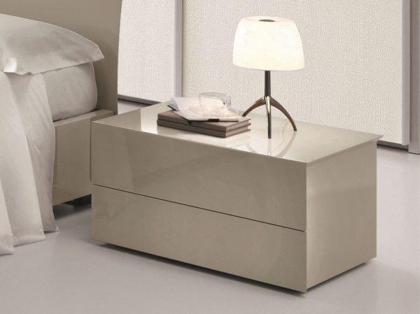 современная прикроватная тумба в интерьере спальни