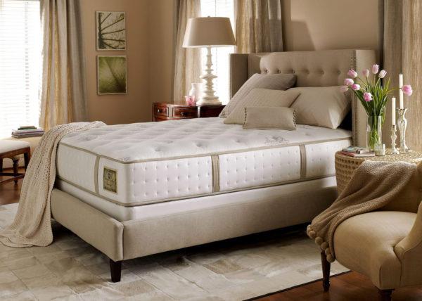 необычный дизайн кровати в спальню