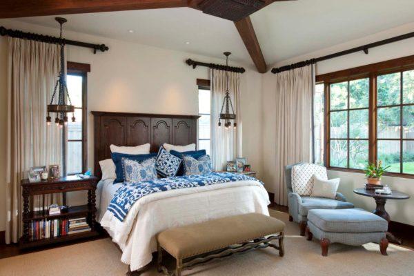 просторная спальня в средиземноморском стиле