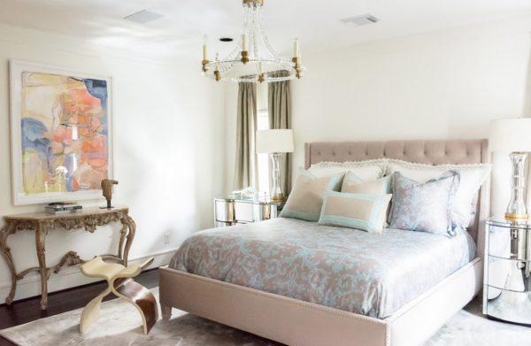 роскошный красивый дизайн кровати в спальне