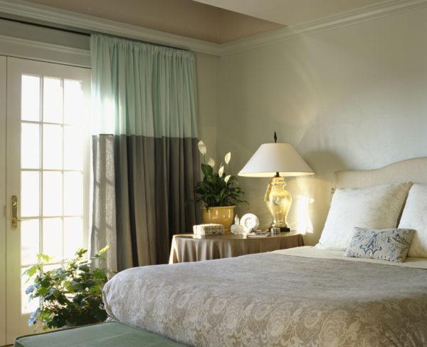 разнообразие интерьера спальни в стиле модерн