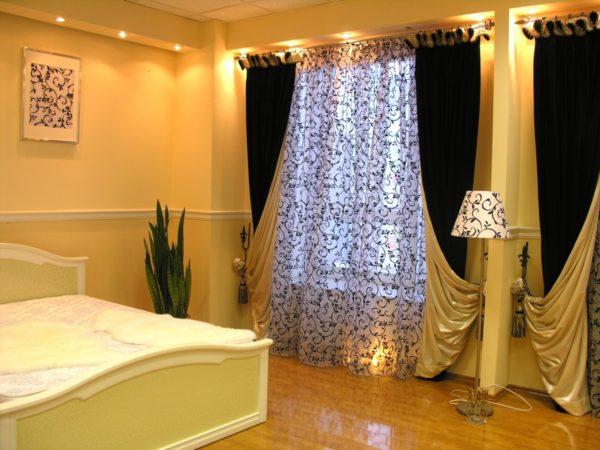 шторы для большой спальни