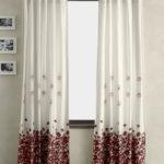 шторы с узором из цветов