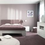 сочетание разных цветов в спальне