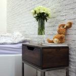 красивая прикроватная тумбочка в спальню