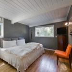 необычный интерьер спальни в скандинавском стиле