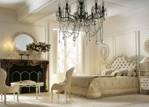 красивая светлая классическая спальня