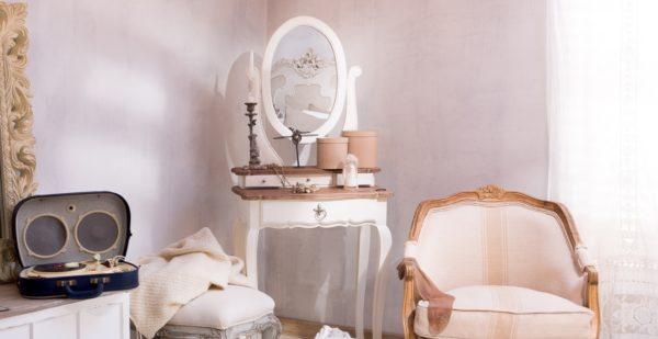 оригинальный туалетный столик в спальне