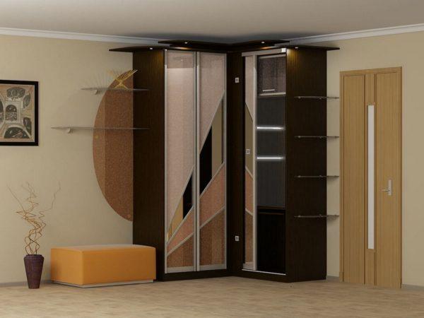 угловой шкаф-купе с дизайном