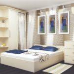угловой шкаф-купе в светлой спальне