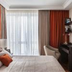 красивая мебель в интерьере спальни