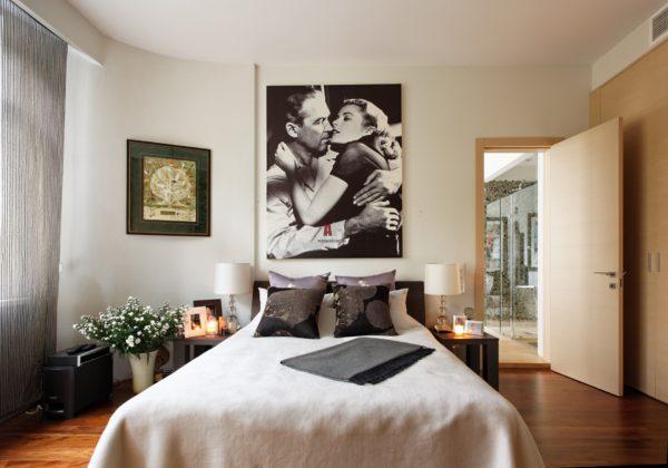 роскошный красивый дизайн картины в спальне