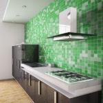 фото зеленой мозаики на стене кухни