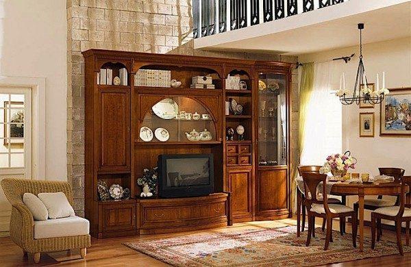 стенка из древесины в классическом стиле