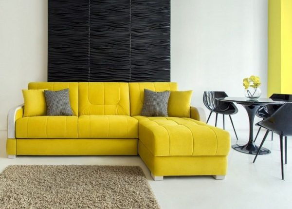 желтый диван-кровать