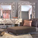 фото стены с зеркалами в стильных рамах
