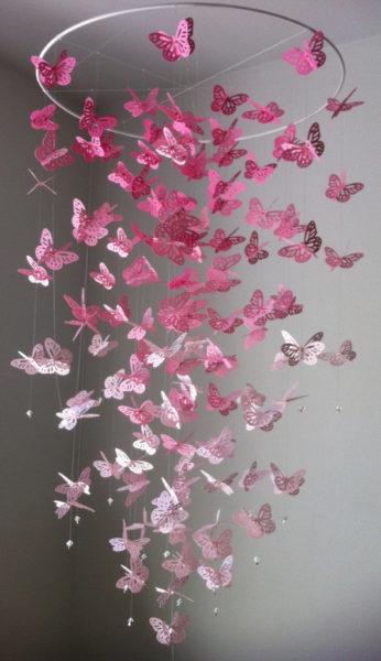 бабочки под потолком