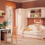 детская комната с диваном