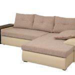 бежевый диван с полочками для белья