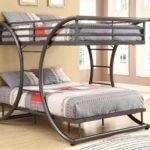 двухэтажная двухспальная кровать