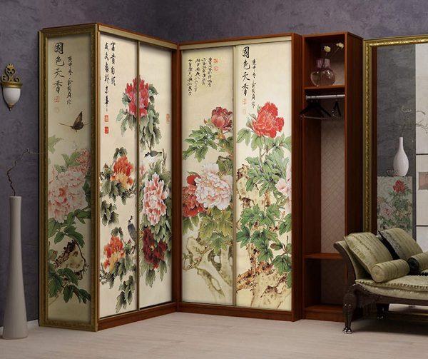 угловой шкаф-купе с рисунком в японском стиле