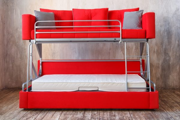 красный диван-трансформер двухэтажный