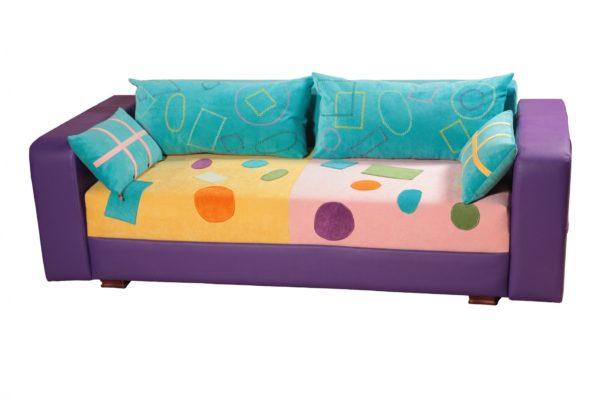 фото кресла-кровати с цветными подушками